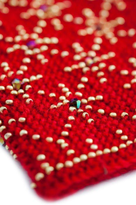 raudonos spalvos riešinės