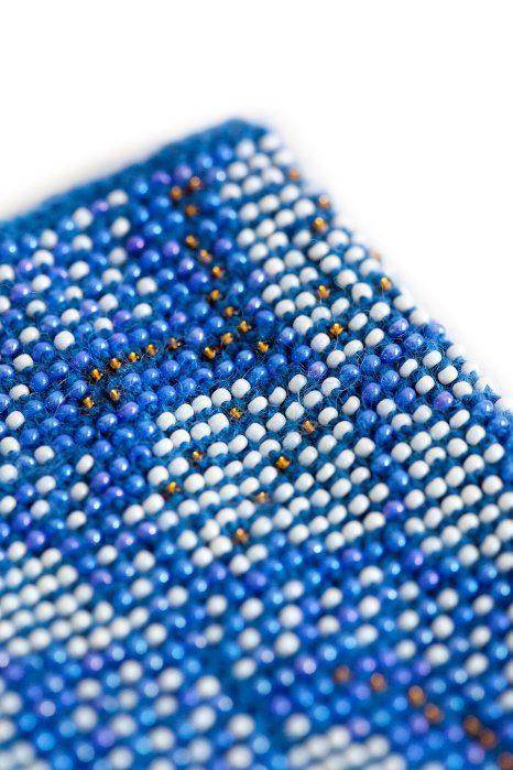 mėlynos spalvos megztos riešinėsmėlynos spalvos megztos riešinės