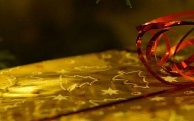 Kaip originaliai, gražiai ir neišlaidaujant supakuoti Kalėdinę dovaną?