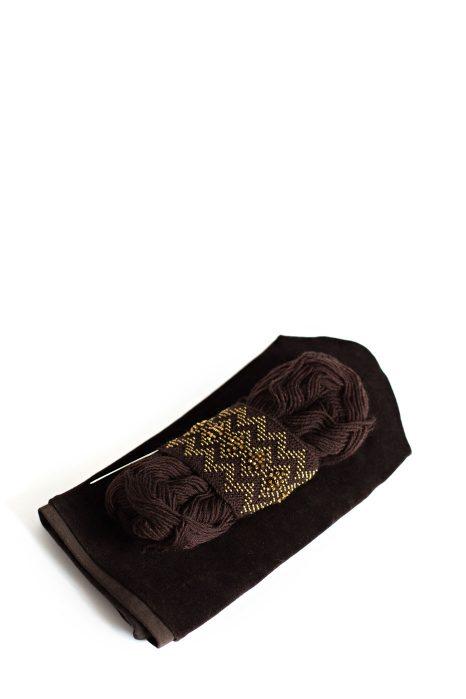 Rankų darbo Kepurė Kristaliniai Rombai rudos spalvos su karoliukais